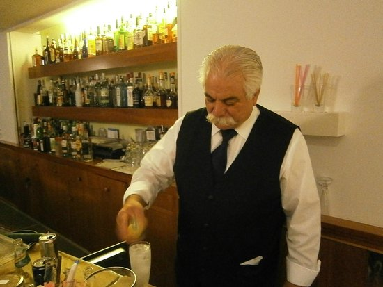 Grand Hotel President: Giovanni the head barman in the hotel bar
