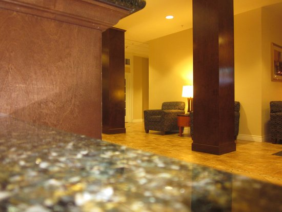 Holiday Inn Express Lake Wales N - Winter Haven: Part of the Lobby