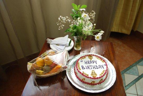Sentrim 680 Hotel: Поздравление с днём рождения от отеля
