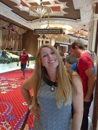 Wynn Las Vegas: The Wynn Buffet - another happy customer!