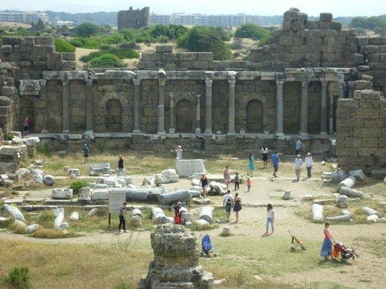 Greek Amphitheater : Küçük antik şirin kent kesinlikle böyle biryerde yaşayabilirim..  ♥♥
