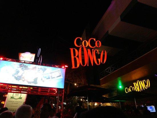 Presidente InterContinental Cancun Resort: Fervo noturno!! Coco Bongo: espetacular - vala cada US$ da entrada!!!