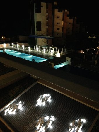 Almar Jesolo Resort & Spa: Piscina di notte