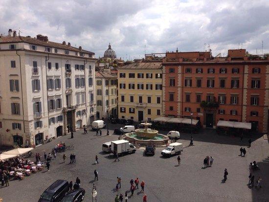 Casa di Santa Brigida : Piazza Farnese dalla terrazza