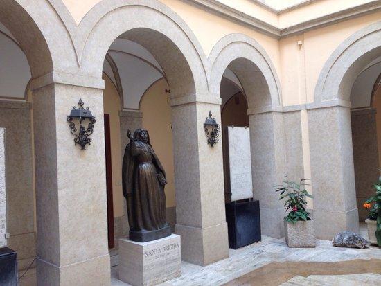 Casa di Santa Brigida : Chiostro