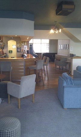 The Harbour Club: Lounge atmosphere with amazing views over Gerrans Bay