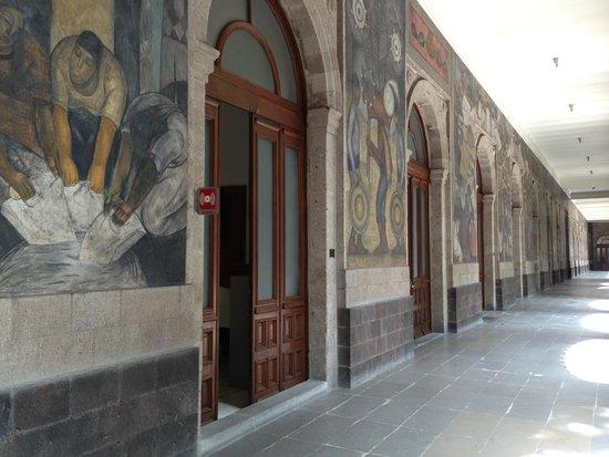 Murales de Diego Rivera en la Secretaría de Educacion Publica: Secretaria