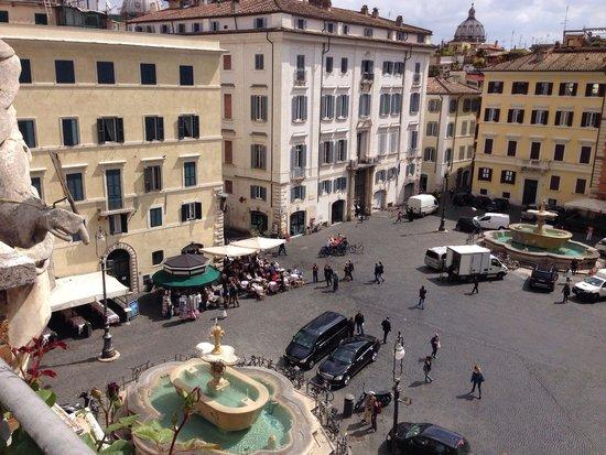 Casa di Santa Brigida : Piazza Farnese