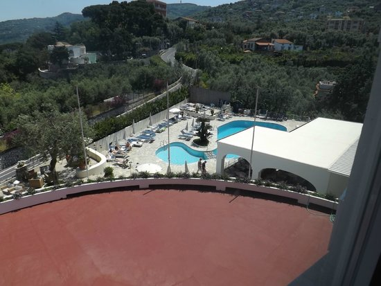 Grand Hotel Aminta: View of the pool area