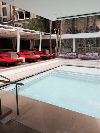 Green Valley Ranch Resort and Spa : Here's the private pool for ADULTS Olny