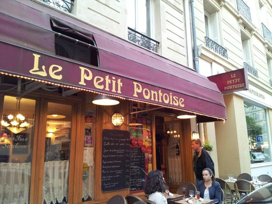 Le Petit Pontoise: From the street