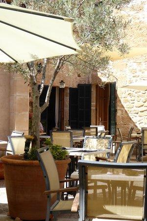 Petit Hotel Ca'n Simo Restaurant
