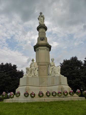 Gettysburg National Cemetery: The Memorial where Lincoln gave the Gettysburg Address