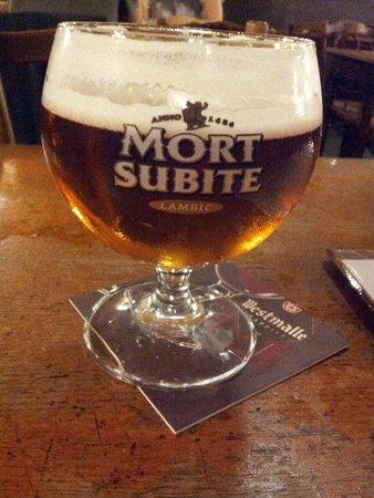 A La Mort Subite : Peche on draft...yum!
