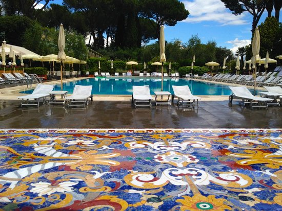 Rome Cavalieri, Waldorf Astoria Hotels & Resorts: The pool
