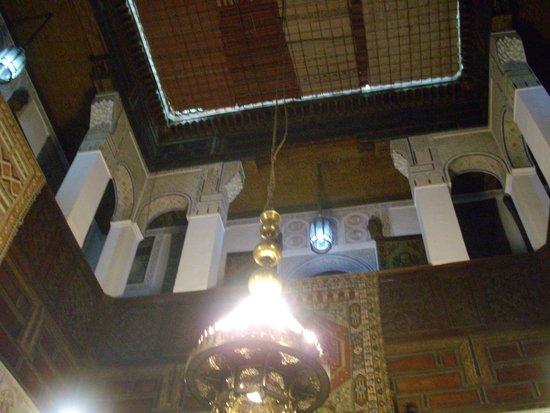 Aux Merveilles du Tapis : Ceiling of Riad