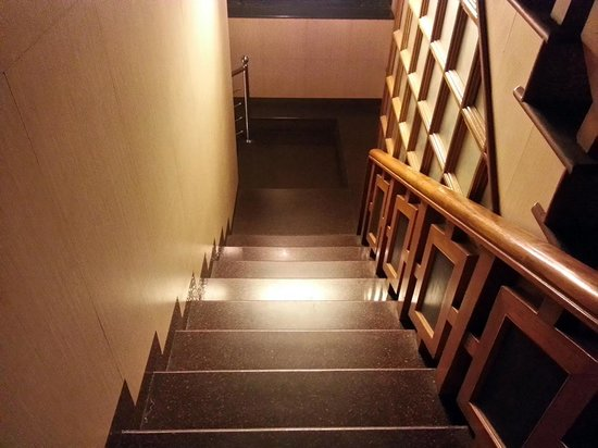 Hotel Darshan Ooty: first staircase