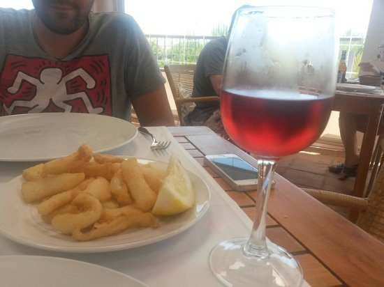 Hotel Fuerte el Rompido: Chocos fritos y Lambrusco en el beach club
