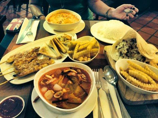 Blue Ocean Resort: delicious dinner