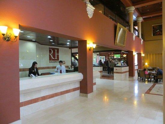 Regency Hotel Miami: Reception