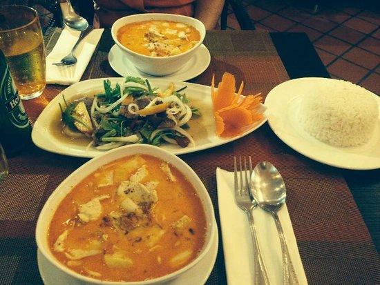 Blue Ocean Resort : mauseman chicken & potato curry