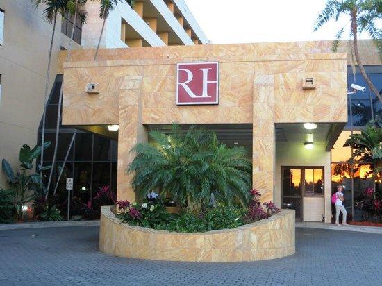 Regency Hotel Miami: Hotel entrance