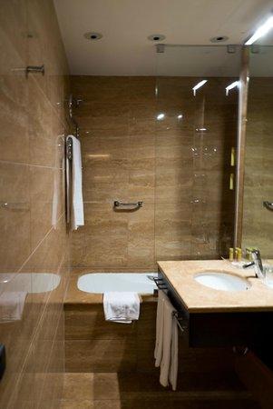 Eurostars Budapest Center Hotel: Bathroom
