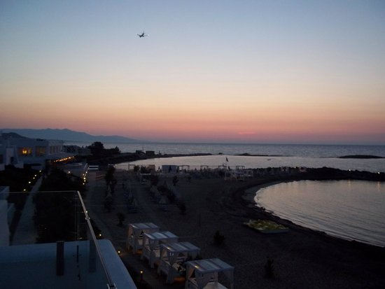 Knossos Beach Bungalows & Suites : Sunset from balcony