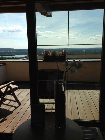 Landhotel Birkenhof: Der große Balkon mit schöner Aussicht