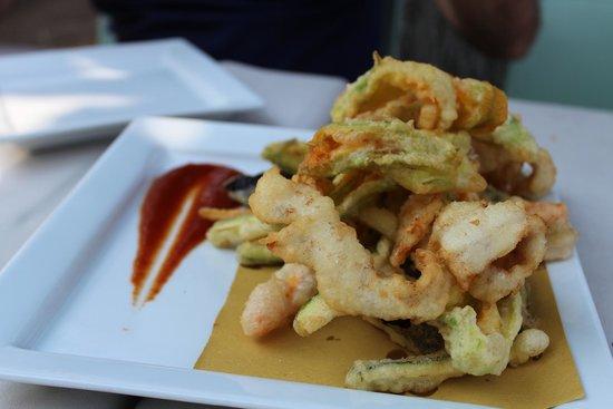 Battipalo: Pastella di verdure e pesce di lago