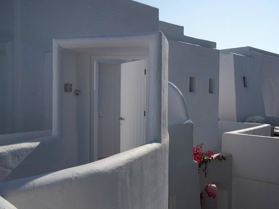Knossos Beach Bungalows & Suites : The first door of the suite