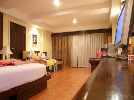 Khao Lak Emerald Beach Resort & Spa: geräumiges Zimmer 216 leider Erdgeschoss
