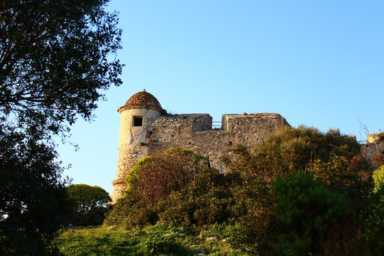Fort du Mont Alban : Up the hill