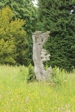 Batsford Arboretum: Grounds