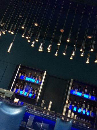 DoubleTree by Hilton Manchester Piccadilly: The fabulous Blu Bar