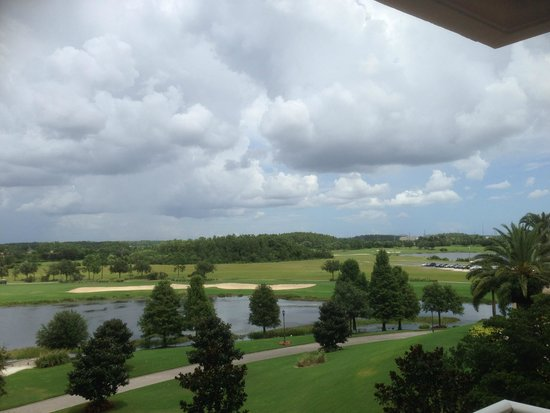The Ritz-Carlton Orlando, Grande Lakes: View from Bedroom looking at Golf course