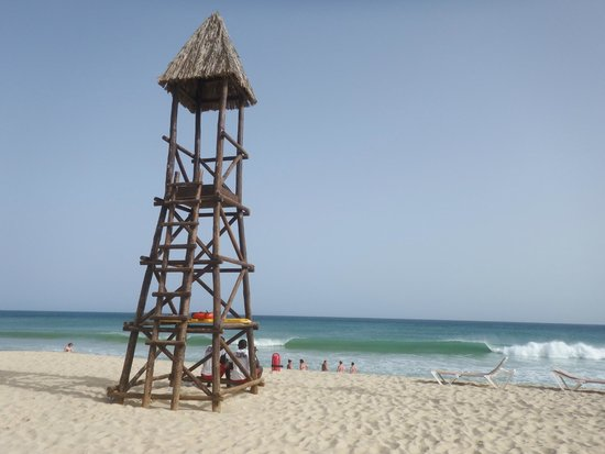 Hotel Riu Touareg : One of the watch towers at the beach