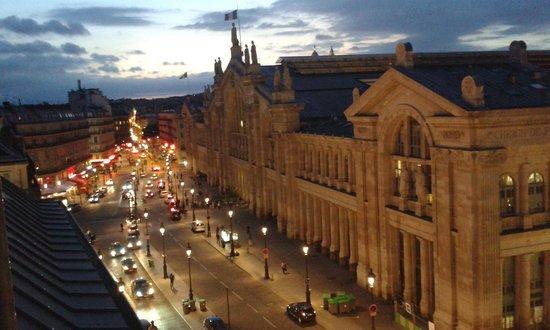Hotel Richmond: Rue de Dunkerque from balcony
