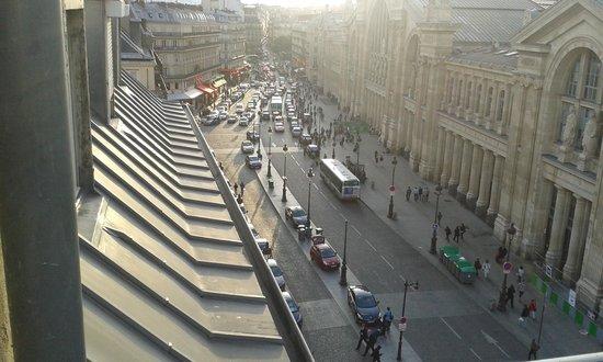 Hotel Richmond : Rue de Dunkerque from balcony