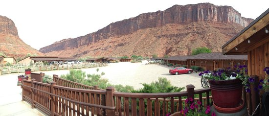 Red Cliffs Lodge : Guest Rooms