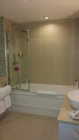 Champneys Tring: Room 20 bathroom, sheer bliss