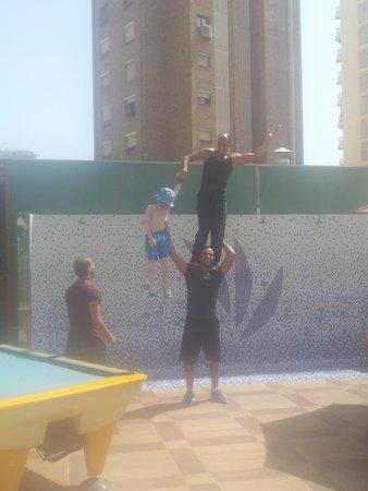 Secret Fountain Roof Bar Garden : acrobats in the secret fountain