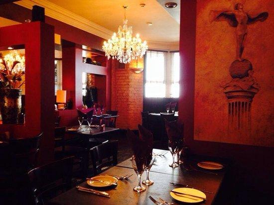 Davanti Italian Restaurant Whitley Bay: The beautiful restaurant