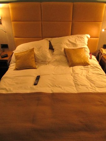 Radisson Blu Hotel Krakow: Como farmacia fundida no tiene remedio