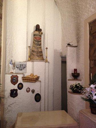 Santa Maria di Loreto: Anteroom with helicopter