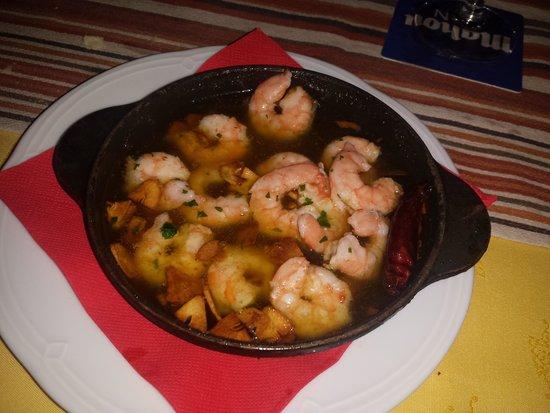 La Taberna: I love this garlic prawns