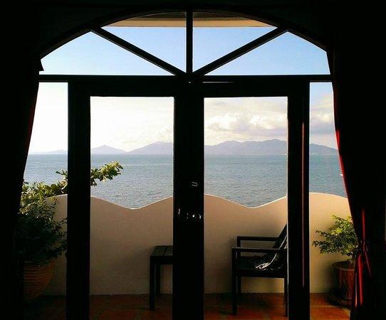L' Hacienda: Balcony