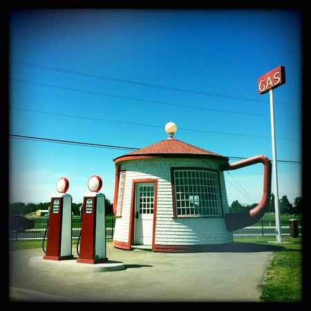 The teapot Dome Gas Station: The station