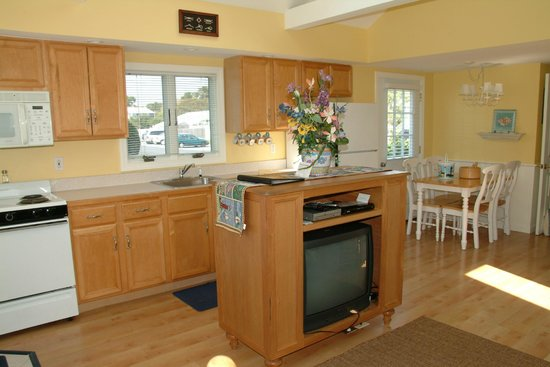 Colonial Acres Resort: Cottages with Full Kitchens