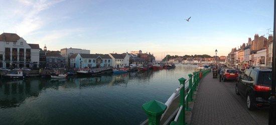 The Sandcombe: harbour